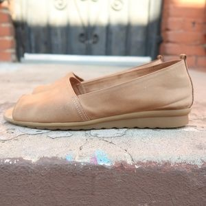The Flexx Womens Beige Comfort Shoes
